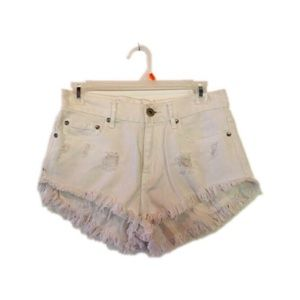 Bullhead White Cut Off Shorts 3